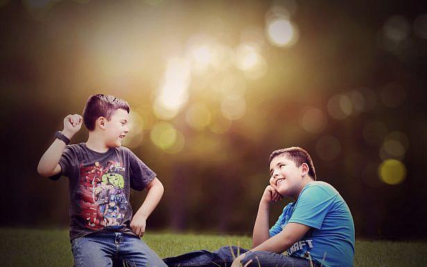 אחים משחקים אבן נייר ומספרים, Pixabay