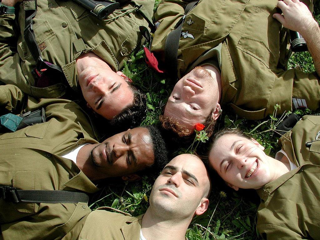 """הצבא הוא מרחב משותף לחלקים רבים של החברה הישראלית, ואין עוד ארגון שמכיל כל כך הרבה זהויות ותפיסות עולם. באדיבות צה""""ל"""