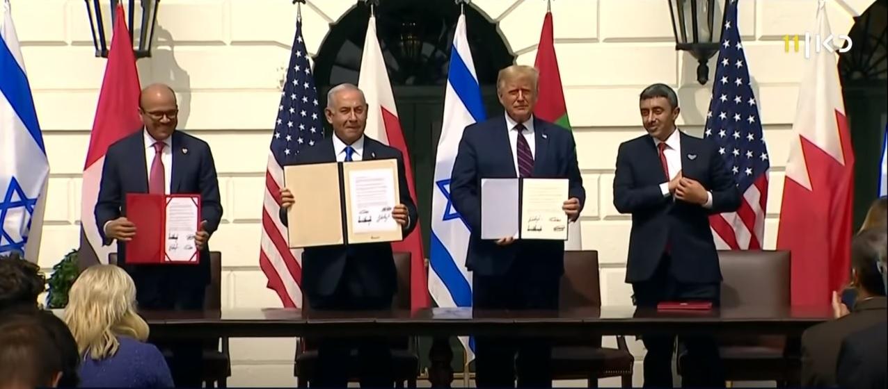חתימת הסכם השלום בין ישראל, לאיחוד האמירויות ובחריין. צילום מתוך תאגיד השידור כאן