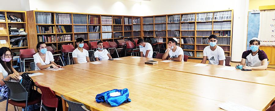 סיירת המזוזות של ליאו באק בלימוד הכנה לקראת הפעילות
