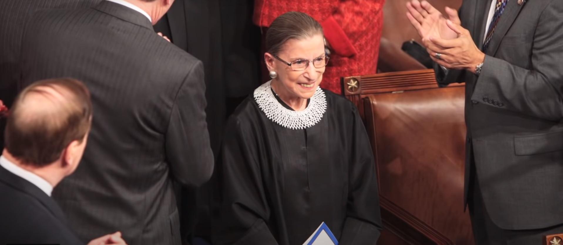 השופטת רות ביידר גינסבורג, מתוך ערוץ גלמור ביו טיוב